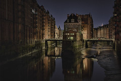 Speicherstadt - warehouse district at night, at low tide (Explore) (waldo.posth) Tags: sony a99ii sigma art f4 24105mm 50mm speicherstadt warehouse district harbor hamburg poggenmuehlenbrücke low tide night photography