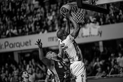Emocionante final Aguada venció 92-91 a Hebraica Macabi se pone 3 a 3 y  estira la seria a la final definitiva | 170529-0370-jikatu (jikatu) Tags: federacionuruguayadebasketball ligauruguayadebásquetbol aguada aguatero basket basketball basquetbol bw básquetbol canasta canon canon5dmkiv deportes directtv finales hebaricamacabi hebraica jikatu macabeos macabi macromercado mercedes montevideo sport uruguay xanna
