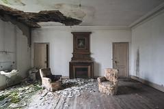 (Alexandre Katuszynski) Tags: urbex urbanexploration ue urbexfrance castle abandonedcastle chateauabandonné chateau decay derelict decayed dust naturereclaimed rotten room verlassen forgotten lostplaces