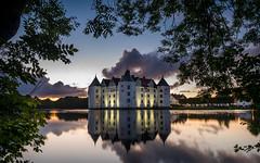 Schloss Glücksburg (Tea Jay Photography) Tags: glücksburg schloss castle water wasser see lake samyang12mmncscsf20