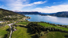 Fra Fineidfjord mot Bjerka (Ratatosken) Tags: norge norway helgeland fineidfjord mountaions fjord fjords summer spring green grass blue sky light clouds