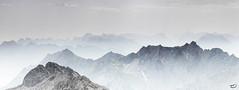 Gipfelwelten (art180) Tags: art180 berg gipfel landschaft panorama stufen zugspitze dunst ferne christianmichelbach grau braun sommer mountain summer haze gray brown soft weich ausblick aussicht alpen alps gebirge morgen morning peak hochgebirge distance