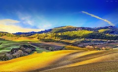 Dolce Italia (Gio_guarda_le_stelle_see_you_in_september) Tags: italia italy sunset countryside tuscany landscape gold sunshine clouds hill sun light sunbeams paesaggio panorama colline primavera spring breeze wind atmosphere canon wonder senseofwonder child