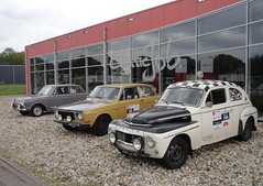 Classic Job in Dalfsen (Fuego 81) Tags: volvo pv544 am2344 142 ar3519 ford cortina kattenrug classic car dealer classicjob dalfsen netherlands 2017