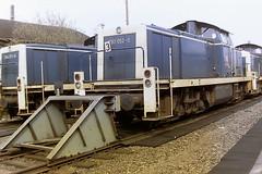 DB 290052-2 (bobbyblack51) Tags: db class 290 v90 mak bb heavy duty diesel shunter 2900522 v90052 oberhausen west stabling point 1998