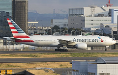 American Airlines 777-200(ER) N781AN (birrlad) Tags: tokyo hnd haneda international airport japan aircraft aviation airplane airplanes airline airliner airlines airways taxi taxiway arrival arriving landed runway gate stand terminal boeing b777 b772 777 777200er 777223er american aa lax losangeles aa27