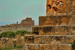 Selinunte (David K. Edwards) Tags: greek ruin ruins seashore sicily italy noise noisy
