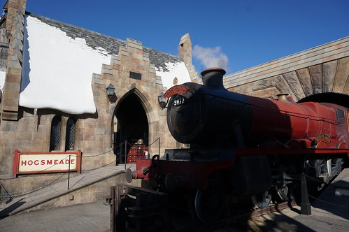 "Universal Studios, Florida: The Hogwarts Express • <a style=""font-size:0.8em;"" href=""http://www.flickr.com/photos/28558260@N04/34709888406/"" target=""_blank"">View on Flickr</a>"