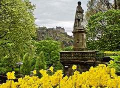 Once upon a time, there was a king ... (somabiswas) Tags: edinburgh castle pov scotland nature architecture landmark unitedkingdom saariysqualitypictures