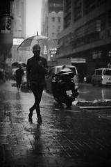 dancing in the rain (Wilson Au | 一期一会) Tags: fujifilmxe2 fujinon hongkong rain kwuntong blackandwhite monochrome street smcpentax50mmf14 pedestrian