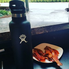 Ever wonder what's behind those desks you can't really see past? #bacon #hotellife #valet #hydroflask #health (Michael Moran-Diaz) Tags: ifttt instagram ever wonder whats behind those desks you cant really see past bacon hotellife valet hydroflask health