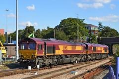 66069+66136, Acton (JH Stokes) Tags: 66069 66136 acton london dbcargo diesellocomotives zone3 trains trainspotting tracks transport railways photography