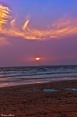 Colorful Sunset (farhan.khi2010) Tags: canon karachi pakistan iphoneography canonphotography photographer sunset colorful evening sky ocean sea blue waves