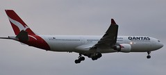VH-QPG | Qantas | QF30 | HKG - MEL | Airbus A330-303 | Melbourne International Airport | (MEL/YMML) (bukk05) Tags: vhqpg qantas qantasfrequentflyer qantasfirstlounge theqantasclub qf30 mel hkg hongkong airbusa330303 a330 airbusa330 airbus melbourne melbourneinternationalairport melymml ymml world wing explore export engine earth runway tamron tamron16300 tourist tourism touchdown toulouse travel turbofan thrust tullamarine international overcast oneworld photograph photo passenger plane planet aeroplane light landing jet jetliner holiday flickr flight fly flying sky australia air autumn airport aircraft airliner aviation airportgraphy airline thespiritofaustralia flyingkangaroo canon60d canon victoria 2017 generalelectriccf680e1 ge prattwhitneypw4000 prattwhitney rollsroyce rollsroycetrent700 mtgambier
