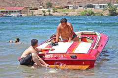 IMG_6430 (imelvis) Tags: parker river arizona water boat noid toy noids ramos family beach shore red blue only woman v8