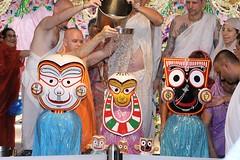 Snana Yatra 2017 - ISKCON-London Radha-Krishna Temple, Soho Street - 04/06/2017 - IMG_2972 (DavidC Photography 2) Tags: 10 soho street london w1d 3dl iskconlondon radhakrishna radha krishna temple hare harekrishna krsna mandir england uk iskcon internationalsocietyforkrishnaconsciousness international society for consciousness snana yatra abhishek bathe deity deities srisri sri lord jagannath baladeva subhadra 4 4th june summer 2017