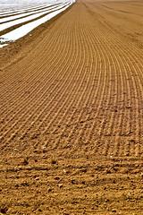 Semailles (JDAMI) Tags: semences semailles champs voilesdeforçage sillons terre argile limon santerre villersbretonneux lamottewarfusée picardie somme 80 france hautsdefrance nikon d600 tamron 2470 1418 grandeguerre tranchées champsdebataille conflit batailledelasomme