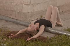 Under a spell {9} (dewframe) Tags: dance girl ballet emotive dramatic mood feelings outdoor young teen