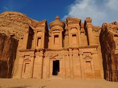 El_monasterio_petra (ruben25x12) Tags: petra jordania jordan wadirum desierto desert tesoro treasure siq nabateos nabatean sinai mtsinai mount monte egypt egipto santcatherine santacatalina zarza mandamientos kotor montenegro dubrovnik fiordo