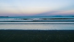 Orewa beach at dusk (moniqueswart) Tags: orewa beach dusk pink purple sky sea sand landscape nature