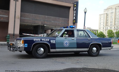 Massachusetts State Police 1990 Ford Ltd Crown Victoria 1 A