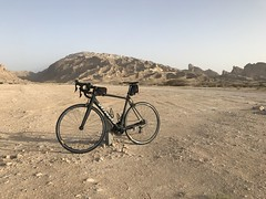At the base of Jebel Hafeet, UAE (Patrissimo2017) Tags: tarmac cycling bicycle specialized