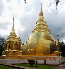 Wat Phra Singh, Chiang mai (Cleu Corbani) Tags: templos dorado elefantes wat cultura cleucorbani religiones ensueño