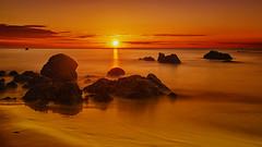 Sun horizon. *** (Explore) (hajavitolak) Tags: a7 csc captureone evil fullframe fx ilce7m2 milc mirrorless sinespejo sony sonya7ii sonya7m2 emount paisaje landscape longexposure largaexposición orange sunhorizon solhorizonte sunrise cantabria spain naturaleza nature noja seascape zeiss za zeiss35 zeiss3528 nd filtrond ndfilters
