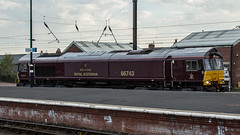 66743 (JOHN BRACE) Tags: 2003 gmemd london canada built co class 66 loco 66744 royal scotsman livery for drs this was numbered 66407 till may 2009 when renumbered 66842 working advenza freight later colas then july 2011 66743 transferred gb railfreight seen darlington station 1541 barrow hill craigentinny light engine move passing 1912 4 late