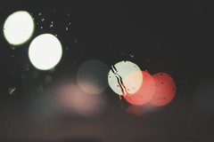 ☆ (PattyK.) Tags: rain rainyday rainyweather window nikond3100 greece grecia griechenland hellas ellada ioannina giannena epirus amateurphotographer βροχή σταγόνεσ βροχερόσκαιρόσ ελλάδα ιωάννινα νύχτα raindrops inthenight