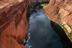 Colorado River Glen Canyon (arbyreed) Tags: arbyreed coloradoriver glencanyon glencanyondam water river coconinocountyarizona boats pontoonboats