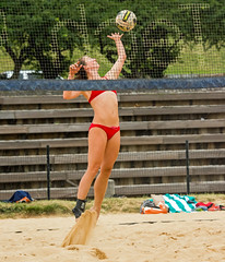 2017-06-16 BBV Coed Doubles (43) (cmfgu) Tags: craigfildespixelscom craigfildesfineartamericacom baltimore beach volleyball bbv md maryland innerharbor rashfield sand sports court net ball outdoor league athlete athletics sweat tan game match people play player doubles twos 2s coed bikini