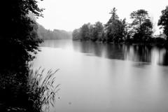 Die Ruhr (elseyjetter) Tags: rain regen ruhr nrw nebelstimmung fujifilm langzeitbelichtung sw bw