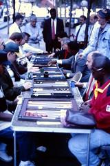 1994-09 New York 159 (MicdeF) Tags: 1994 backgammon newyork ny statiunitidamerica usa uniitedstates geo:lat=4071036130 geo:lon=7401374996 geotagged scanner scan slide dia nikonem pellicola scansione diapositiva