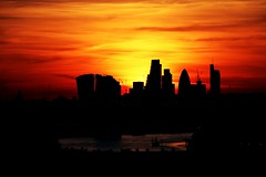 Sunset from Greenwich Park (Waterford_Man) Tags: sunset london orange red sky cith thames summer england gherkin skytrails