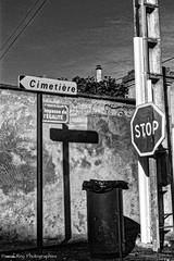 """""""NO FUTURE""""      Les Sales Majestés (Pascal Rey Photographies) Tags: valléedebièvrevalloire drôme drômedescollines saintsorlin cimetière cemetery egalité stop nofuture signs noirblanc noiretblanc blancoynegro blackwhite schwarzundweiss schwarzweiss blac autofocus"""