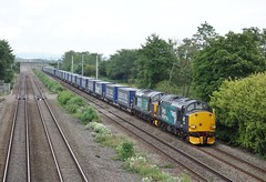 Tesco tractors. 31/5/17 (Nick Wilcock) Tags: class37 376 37609 37602 drs directrailservices 4v38 daventry wentloog tescoexpress railways wales marshfield