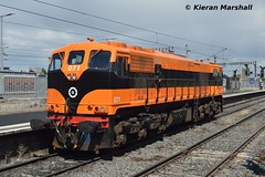 071 departs Connolly, 3/6/17 (hurricanemk1c) Tags: railways railway train trains irish rail irishrail iarnród éireann iarnródéireann 2017 generalmotors gm emd 071 dublin connolly