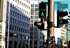 Potsdamer Platz, distrito Tiergarten (Berlín - Alemania) (jsg²) Tags: berlin deutschland alemania berlín jsg2 fotografíasjohnnygomes johnnygomes fotosjsg2 unióneuropea europa europe ue europeanunion postalesdelmusiú germany federalrepublicofgermany bundesrepublikdeutschland easterngermany repúblicademocráticaalemana deutschedemokratischerepublik ddr rda guerrafría berlíneste germandemocraticrepublic gdr coldwar potsdamerplatz bezirkmitte berlintiergarten tiergarten berlinale