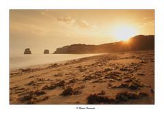 Egunon (begonafmd) Tags: amanecer playa sol algas lgemelas arena mar largaexposicion longeexposure beach