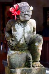 Sculpture (MelindaChan ^..^) Tags: bali indonesia 印尼 巴里島 indian chanmelmel mel melinda melindachan heritage culture religion life worship building architecture hindu purisaren ubud sculpture people