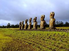 Akivi_Moais (ruben25x12) Tags: isladepascua easterisland easter polinesia polynesia moai islapajaro orongo ranoraruka marae cultura akivi hangaroa chile anakena