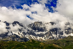 Sierra de la Partacua. (Mikel Rmx) Tags: sierradelapartacua valledetena aragón pirineos canoneos1100d efs55250mmf456isii cloudy nubes landscape beautifullearth explore trekking inexplore somolanorte picobucuesa