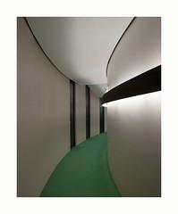 Colonel-Fabien .. / 1 (hélène chantemerle) Tags: intérieur architecture couloir portes murs courbe eclairage vert blanc noir indoor corridor curve walls doors lignting green black white oscarniemeyer