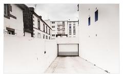 _DSC9900b - Concarneau (rvdmeeren) Tags: bretagne france concarneau appartments city buidling architecture
