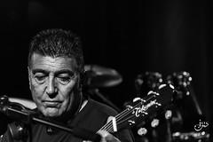 Guitarrista Quim (steelmancat) Tags: capsademusica cursdefotografiaconcerts talleratf tarragona low key clave baja concierto blanco y negro blanc i negre bw bn