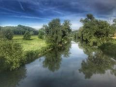 Necker bei Altenburg (Blende2,8) Tags: brücke iphone deutschland badenwürttemberg wolken himmel wasser reutlingen wiesen bäume nekar nekartal fluss