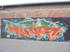 1067 (en-ri) Tags: wubik boc bocs crew arancione verde arrow torino wall muro graffiti writing azzurro