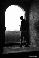 Castel Nuovo, Naples (Eleanna Kounoupa) Tags: νάπολη napoli naples italy italia ιταλία castelnuovo bw μαυρόασπρεσ σιλουέτεσ blackandwhite silouettes castle κάστρο