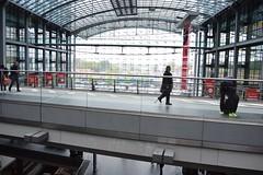 2017_Berlin_5785 (emzepe) Tags: 2017 május tavasz germany alemagne deutschland németország saksa berlin vasút railway eisenbahn állomás vasútállomás bahnhof gara gare station nádraží stanica
